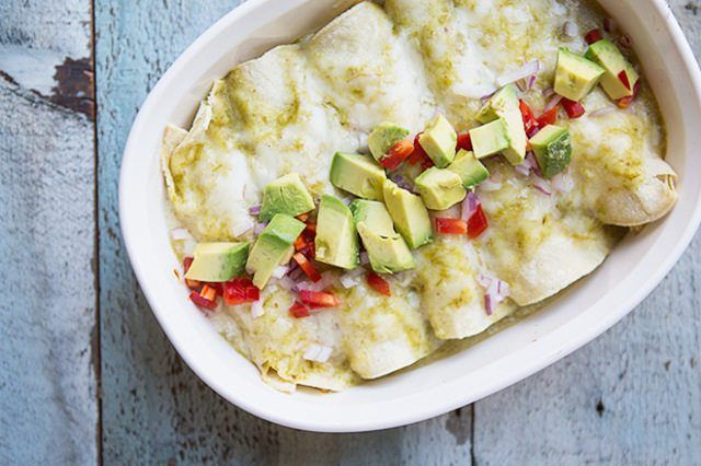 Probeer hierdie broei groen Chili enchiladas vir `n muy caliente ete.