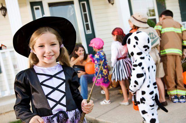 6 Stappe om Halloween kostuum Veiligheid