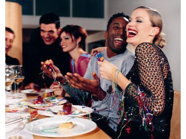 Groep viering by `n nabygeleë restaurant