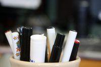 Daar is `n klomp van die verskillende tipes ink penne, elk met `n unieke meganisme wat maak dit werk.