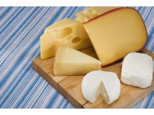 Kaas en melk is hoog in kalsium.