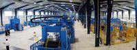 Fabrieke merk lyne op die vloer om veiligheidsredes en te help om die werk meer doeltreffend gedoen word.