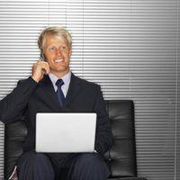 Vind `n rustige plek waar jy gewen`t be distracted when conduting a phone interview.