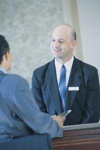 Concierge dienste uitgebrei buite die 5-ster hotel.
