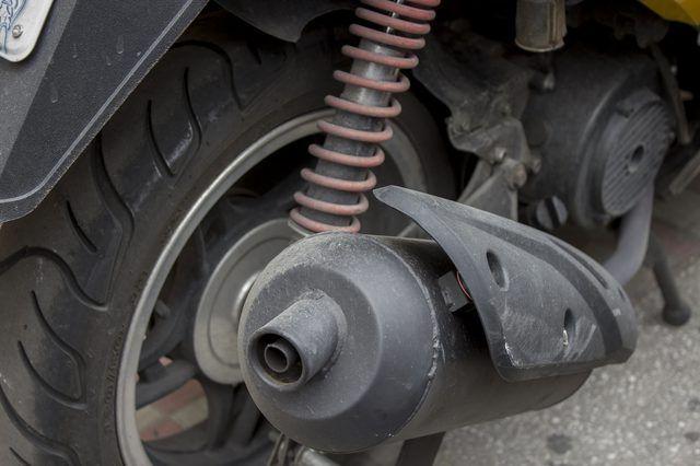 Hoe om Motorcycle uitlaatpype verf