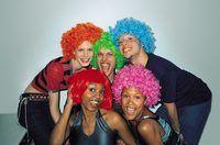Hoe om Hairspray Verwyder Van Pruike