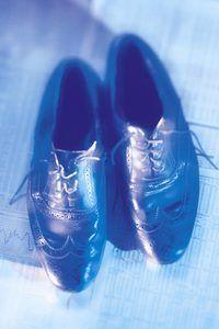 Herstel ou vlerkpuntvorteks skoene met die regte gereedskap.