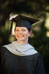 Bemarking PhD-gegradueerdes kan loopbane in die akademie of die korporatiewe wêreld na te streef.