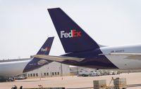 Groot FedEd stert advertensie op vliegtuig