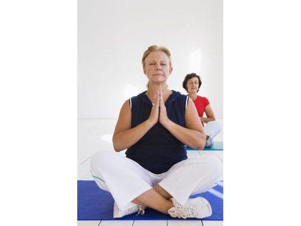 Oefeninge soos joga is uitstekend vir volwassenes en veral seniors