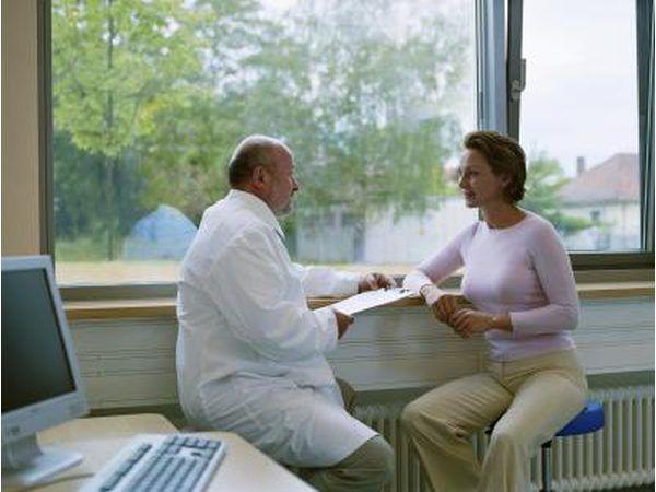 Afhangende van die simptome, diagnose en reaksie op die eerste lyn van behandeling van die pasiënt se mag dokters behandel angs met ander medikasie.