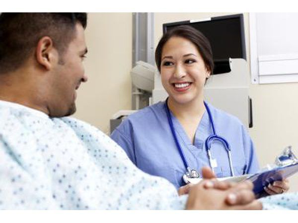 Pasiënt mag nodig wees om te verwys na tekens of simbole te kommunikeer.